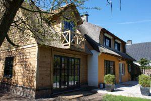 Carport en old timer garage - Eiken bijgebouwen, houten bijgebouwen, bouwpaketten: poolhouse, carport,... - Crown Oak